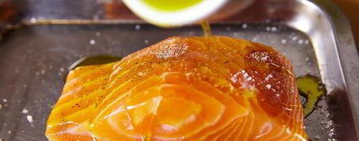 Шаг 3: стейка из лосося с овощами