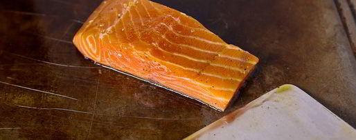 Шаг 4: стейка из лосося с овощами